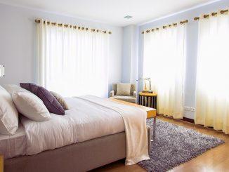 Laat je slaapkamer groter lijken