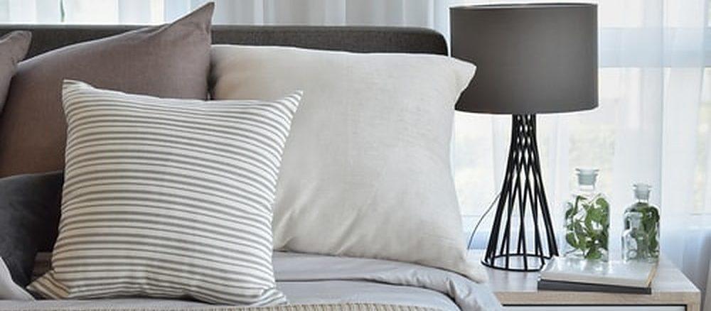 Nieuw bed en toebehoren kopen.v1